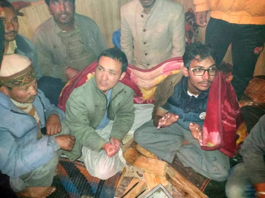Trekkers rescued from Chanderkhani Pass