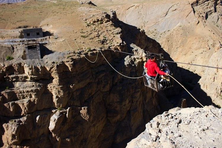 Human-powered ropeway